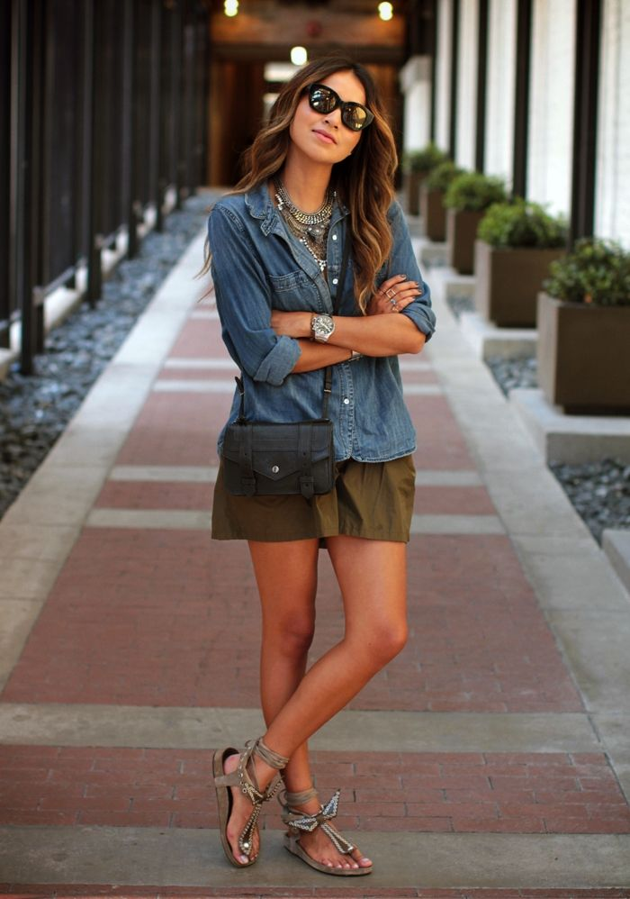 Julie Sarinana Is Wearing Shirt From Madewell, Shorts From Maje, Sandals From Isabel Marant, Necklace From Dylanlex And Cross Body Bag From ...
