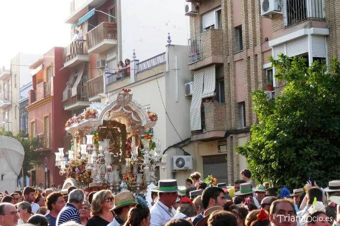 Regreso de la Hermandad del Rocío de Triana 2014  Agenda cofrade de Triana en Triana Ocio.  http://www.trianaocio.es/#!cofrade/c1d94
