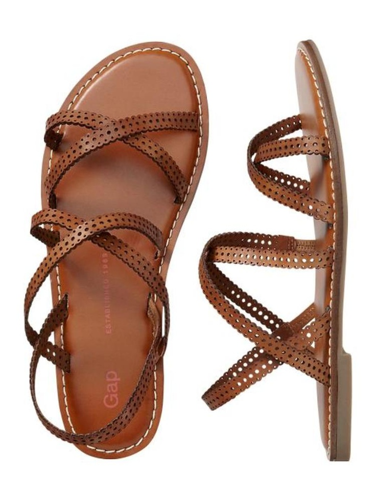 The Perfect Beach Outing: Gap Sandals