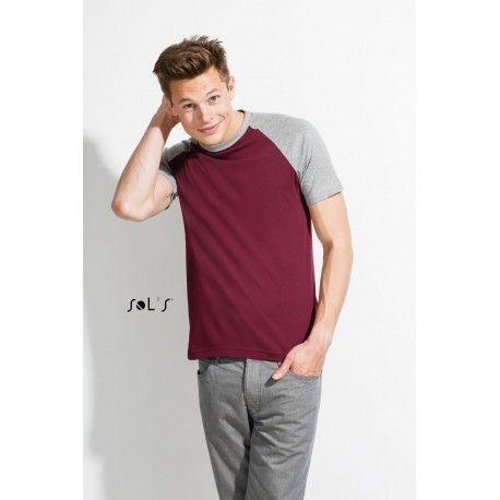 Camiseta hombre bicolor manga ranglán. La camiseta bicolor se oferta como una camiseta barata y ligera. Esta camiseta está disponible en varios colores y es totalmente personalizable con serigrafía y bordado. http://www.kiopromotional.com