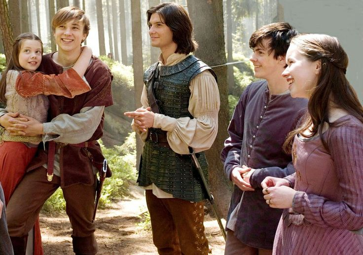 Georgie, Will, Ben, Skandar, and Anna on set for prince caspian