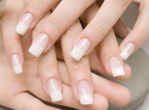 Recomendaciones para mantener el cuidado de nuestras manos y uñas, al igual que nuestro rostro también son importantes y debemos darles un cuidado especial...