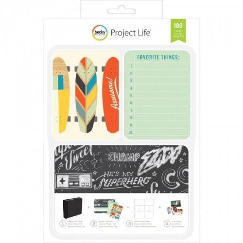 PROJECT LIFE - KIT 380337 - BECKY HIGGENS - BOYS RULE Project Life kit inneholder 180 kort totalt.Du får 60 stk 4x6 kort, 30 title cards 6 designs, 5 each 30 journaling cards 6 designs, 5 each 120 3x4 cards: 30 designs, 4 each.De lar deg dokumentere viktige hendelser, ferier, eller rett og slett livet, på en enkel og spennende måte. Du trenger en album, plastlommer med inndeling, en penn og diverse kort. AMERICAN CRAFTS-Project Life ...