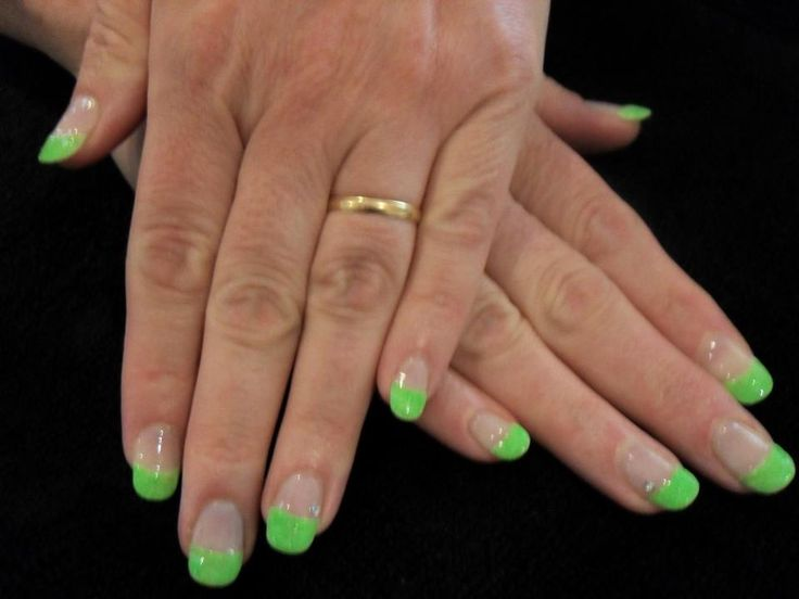 BioSculpture- Neon Glitter French Tips: Facebook- Nailz By Kaz