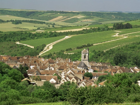 Village of Irancy, Burgundy, France   Day trip out of Paris #Yonne #Burgundy