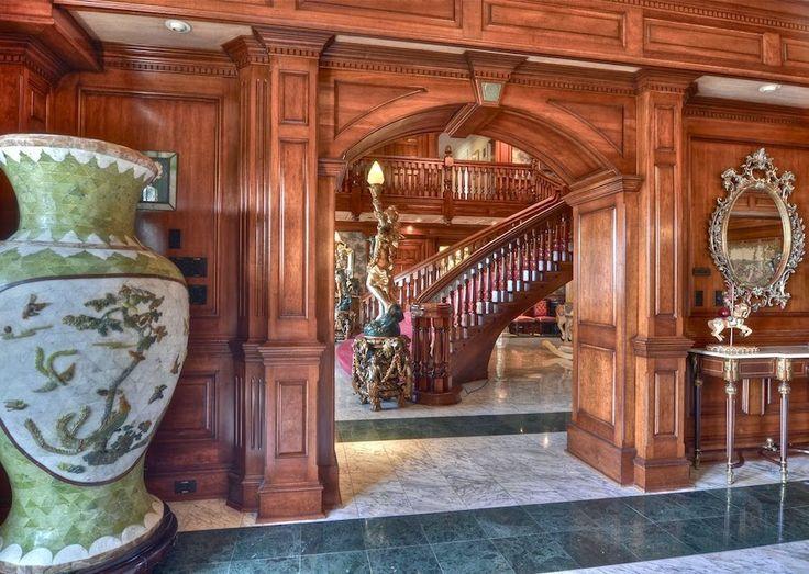old mansion interiors   Paris vieux historique appartment chambre Victorian miroir interieeur