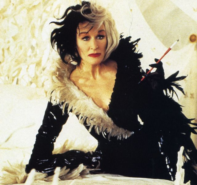 Glenn Close is perfect for the role of the Queen of Hearts. In the movie 101 Dalmatians, she played the role of Cruella de Vil. I think that the attitude of Cruella and the Queen of Hearts are really similar. #BUNKHA