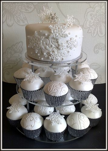 Snowflake Wedding Cake and Cupcakes-- I so miss baking! Now my baking items have arrived so I can begin again!!! Pastry classes are definitely in my future! Can't wait to begin!