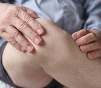 Dajte bolesti kĺbov červenú: Doprajte si tieto čaje a potraviny