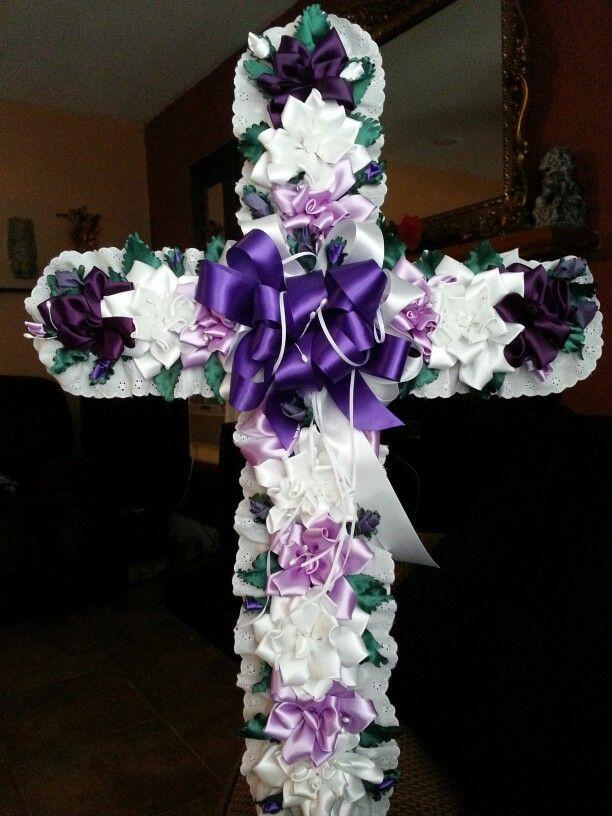 Termine esta cruz con mucho carino y respeto para la senora Candelaria; bisabuela paterna de mis nietitas Destiny 4 y Delilah 20 dias de nacida. Descansa en paz Mama Cande