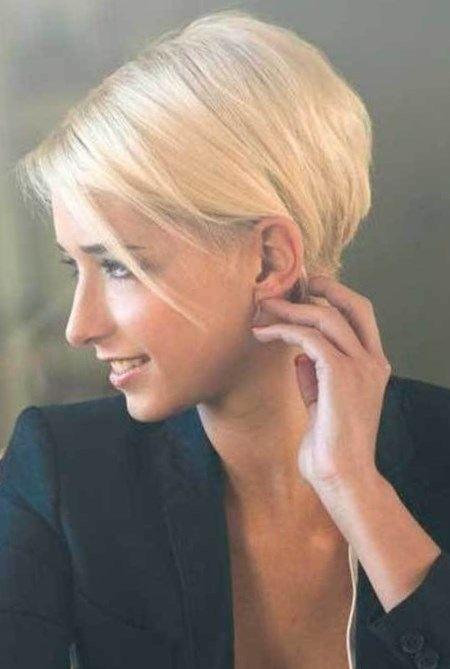 Chic short hair 2017 - http://trend-hairstyles.ru/782.html  #Hairstyles…