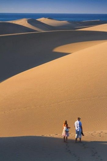 Sanddunes at Maspalomas, Gran #Canaria. The Canarian Island is closer to Africa than Europe but belongs to #Spain.