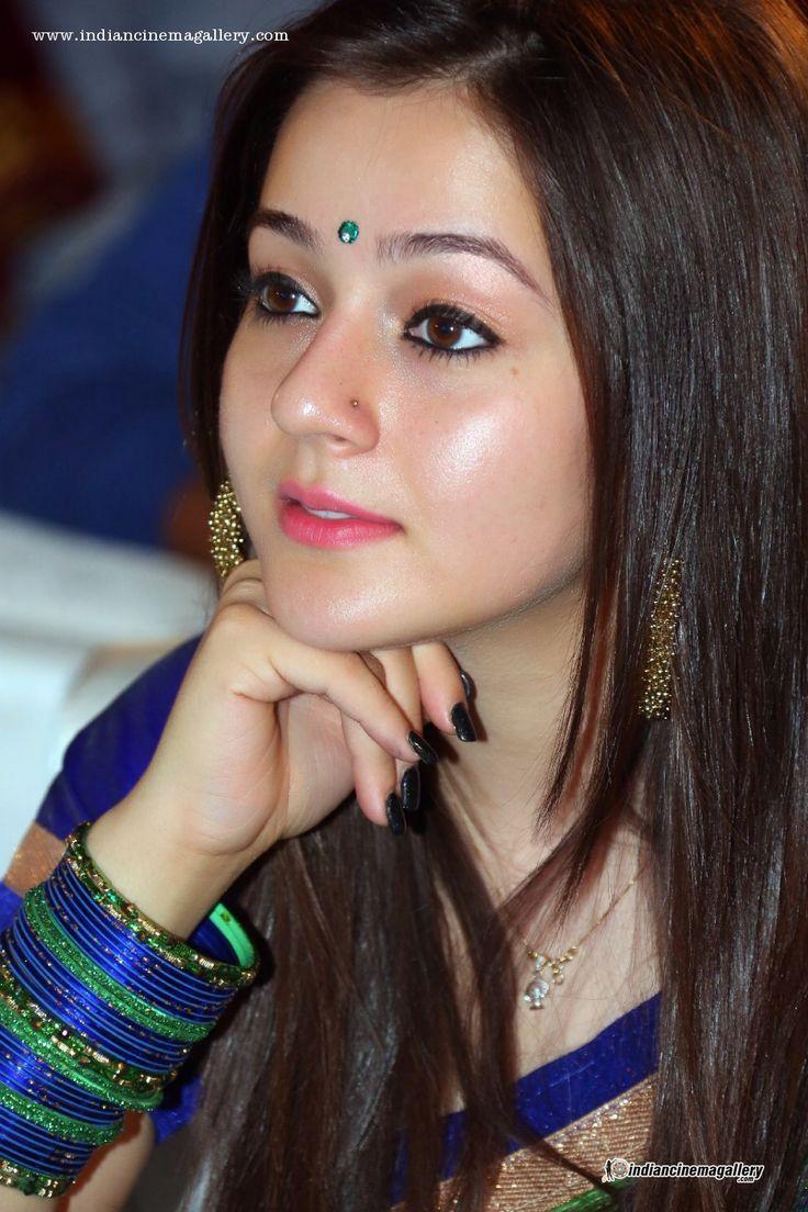 Priyal-Gor-at-Saheba-Subramanyam-Audio-Launch-(3)