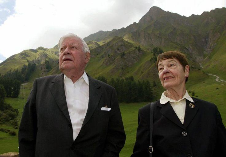 Nichts ohne Loki: Das Ehepaar Schmidt im August 2003 bei einem kurzen...