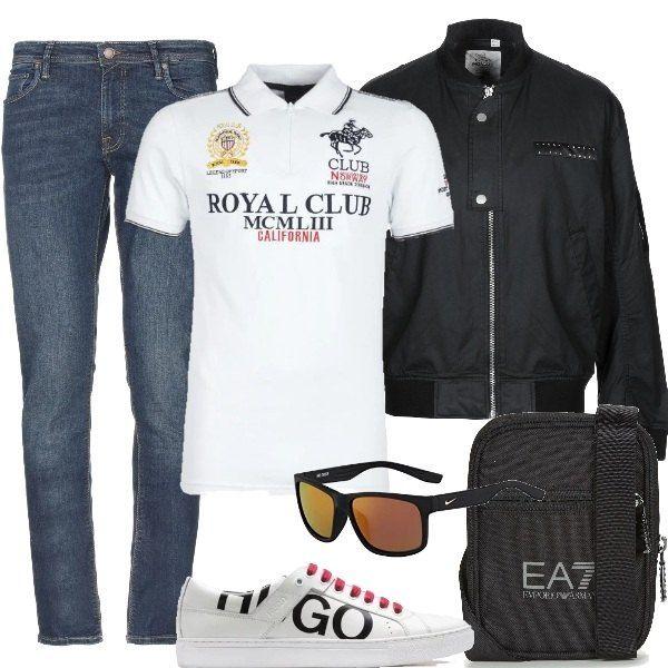Look ideale per il tempo libero con polo, jeans e bomber