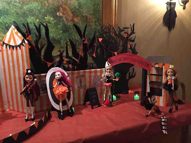 Halloween Display 2016 #Circus #Halloween #DIY #Dollcrafts