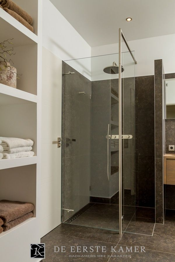 62 best images about badkamer op pinterest douche tegels betonnen interieurs en travertijn - Kamer van rustieke chic badkamer ...