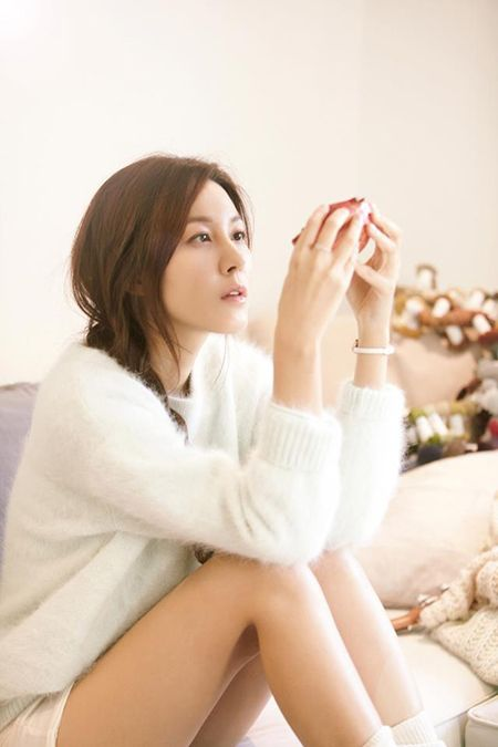 Kim Ha Neul Releases Pictorials for Project Album 'Sky' Photo Shoot