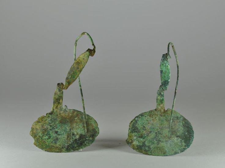 Villanovan brooch, 7th century B.C. Villanovan brooch, Villanovan bronze brooch, 11.4 cm long and 7 cm diameter, 13 cm long and 7 cm diameter. Private collection
