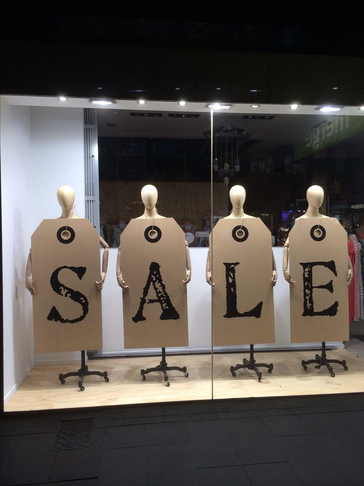 Escaparates de rebajas / Sale Window Display