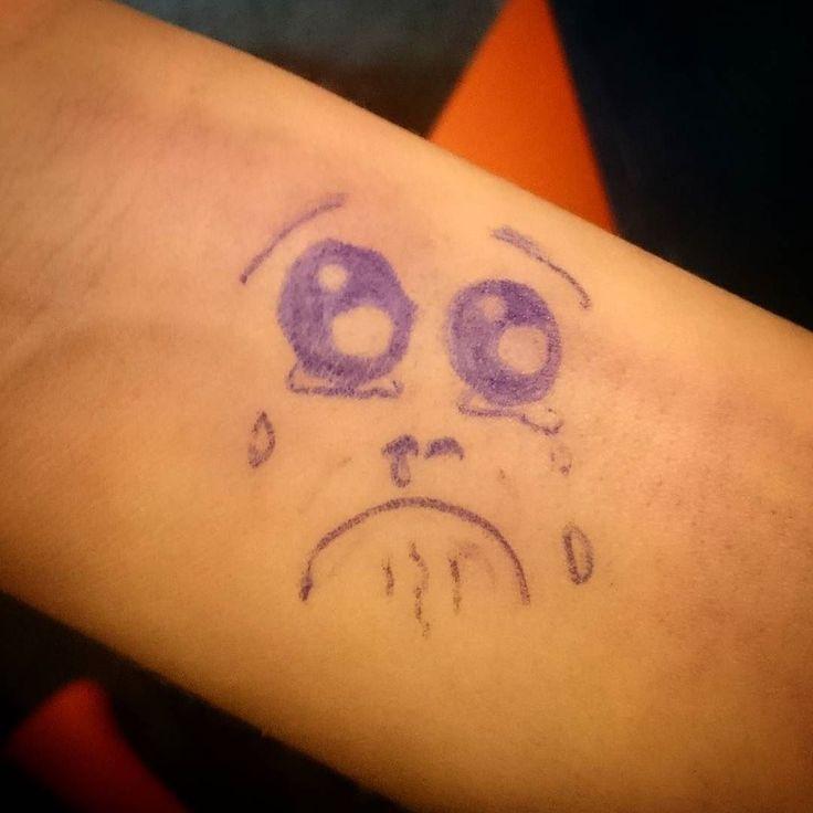 @tiare.nicoleq se retira contenta con su #tatuaje que expresa el sentir de su brazo por los moretones producto del maltrato y a la vez camufla uno de estos. Trabajo 24/7 reserve su hora. Tatuajes 100% real no fake 1link #tattoo #dibujo #drawing #triste #sad