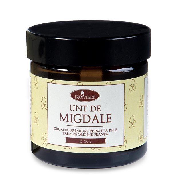 Unt de Migdale Dulci BIO 50gr  Are un conținut ridicat de acid oleic, substanțe nesaponificabile și tocoferoli, fapt ce îi conferă calitatea de bun antioxidant. Untul de migdale este un unt emolient ce hrănește și protejează pielea, fiind recomandat în special pentru pielea uscată și sensibilă.  http://www.vreau-bio.ro/unturi-cosmetice-bio/107-unt-de-migdale-dulci-bio-50gr.html