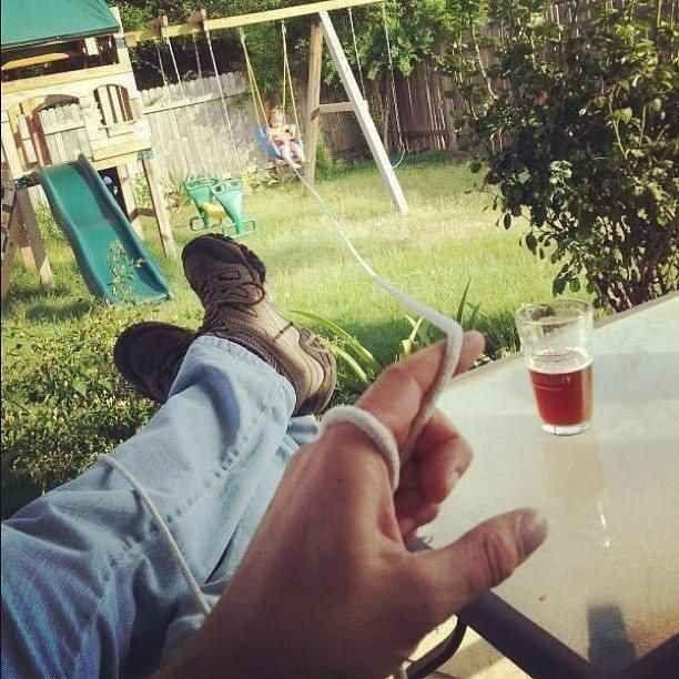 Quand la bière > l'enfant.
