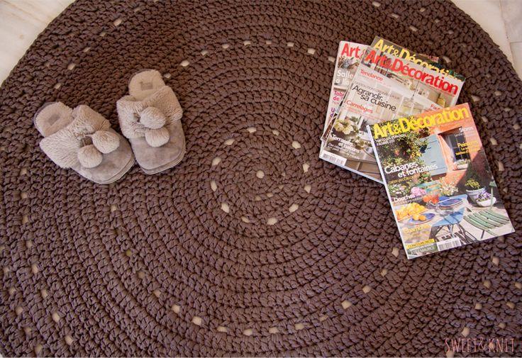 Hola!!   La semana pasada me hicieron un pedido de una alfombra de trapillo un poquito más grande de las que yo estoy acostumbrada a hacer, ...