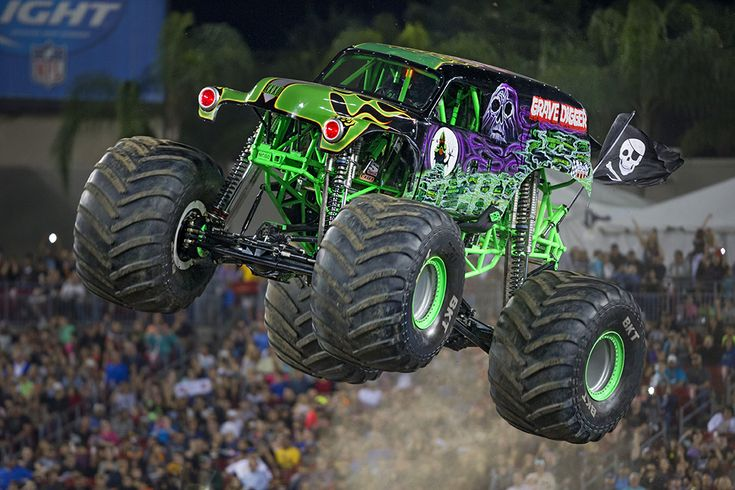 Grave Digger/Trucks | Monster Jam Grave Digger is my FAVORITE ❤