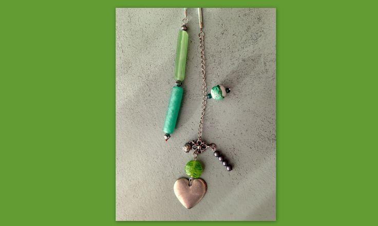 Miss Dali Ketting Lentegroen met hart. Deze veterketting maak je met een simpele knoop aan de voorkant vast.