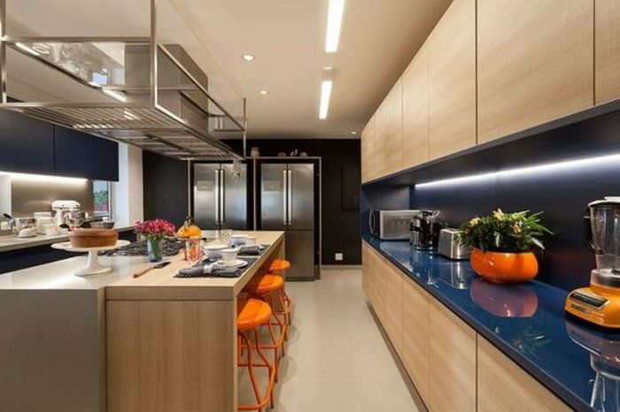 1 kreative wohnideen orange stühle blumen keks vase kühleschrank kücheninsel beleuchtung
