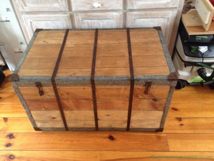 Les 25 meilleures id es concernant vieux coffre sur for Restaurer un meuble en bois