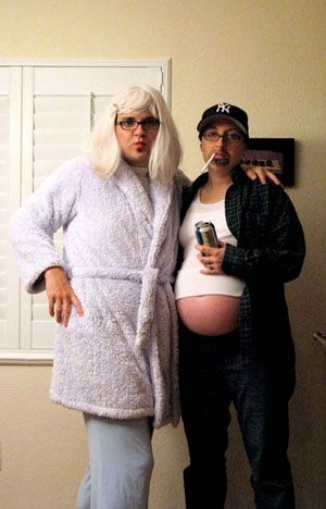 25 pregnancy halloween costume ideas - Pregnant Halloween Couples Costumes