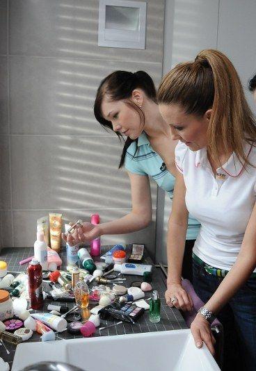 Plamy po fluidzie i szmince na ubraniach - Perfekcyjna Pani Domu - PORADY: 10 najlepszych
