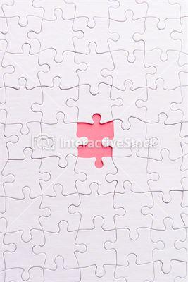 Brakujący element. Stock photography. #puzzle #biel #róż #kontrast  #gry #zabawy #InteractiveStock