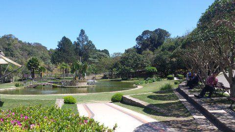 São Roque - Pacote de atrações da cidade inclui um parque que recria as atividades de uma estação de esqui, vinícolas e até um outlet no meio do caminho