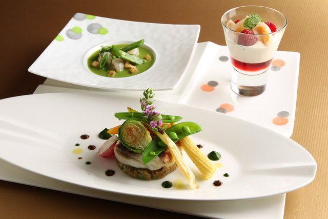 「Joël Robuchon」UNIQUE Lunch。2014米其林★★★ 地处惠比寿18世纪法式城堡的2楼。Joël Robuchon以自身命名的餐厅。