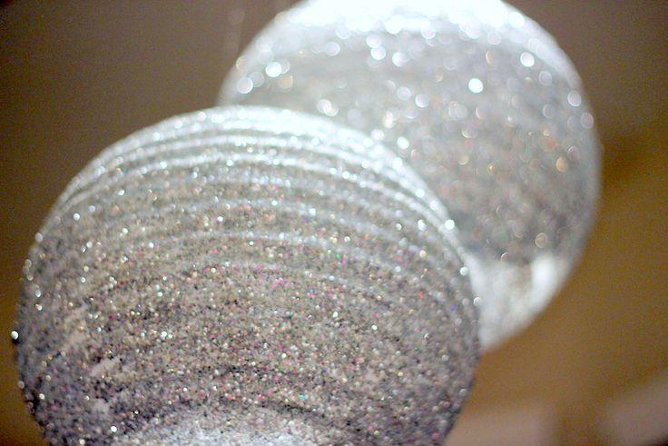 Sparkly lantern DIY