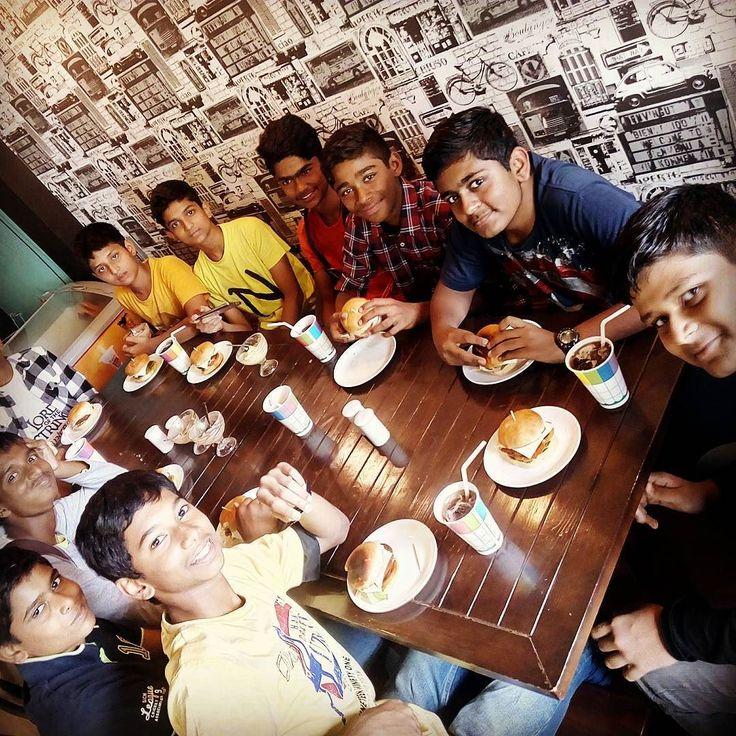 #cafeholicpune #birthday #birthdayparty #pashan #bannerfoods #happykids #pune