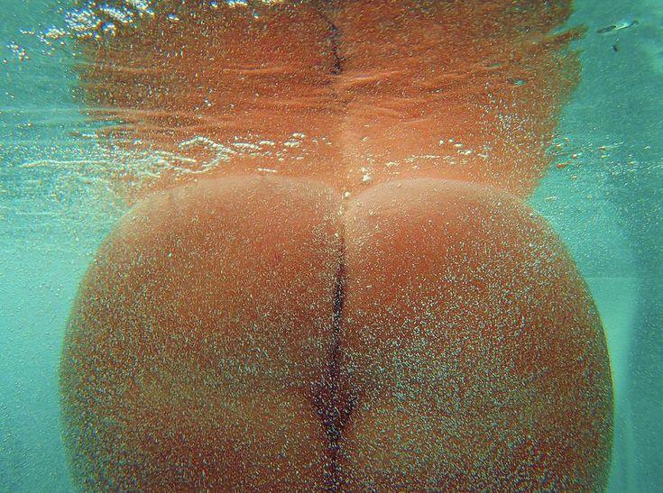 Womans Bare Ass 108