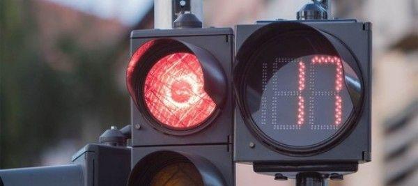 Arrivano i semafori con il conto alla rovescia. Cosa c'è da sapere