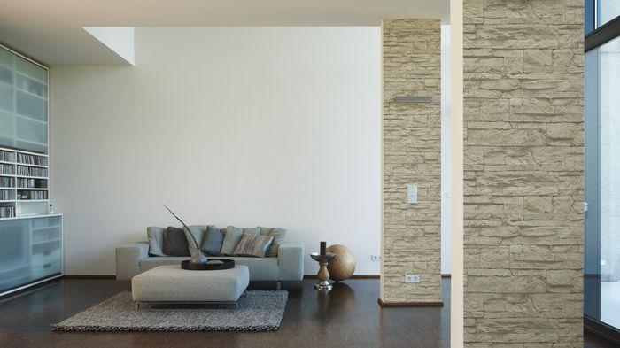 Sie suchen nach dem besonderen Highlight in Ihrem Wohnzimmer? Mit dieser Tapete in Sandsteinoptik haben Sie es gefunden. In Kombination mit einer dezenten, unifarbenen Tapete, verleiht die Ziegeloptik Ihrem Raum den besonderen Chic.  #Stein #Steinoptik #Design #modern #Tapete #Wanddekor #Ziegel #Ziegelstein   AS Création