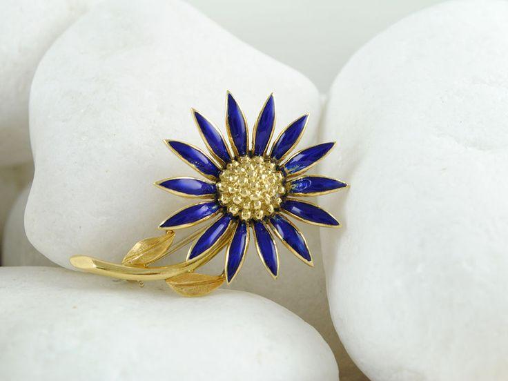 Vintage Estate 18K Solid Gold Blue Enamel Flower Brooch