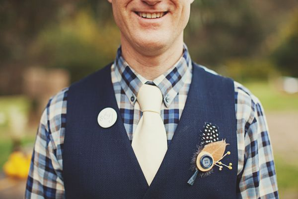 Love this color combination (photo by Jonathan Ong): Groomsmen Outfits, Grooms Outfits, Grooms Style, Focal Length, Wedding Boutonnieres, Plaid Vest, Unique Boutonniere, Colors Combinations, Grooms Attire