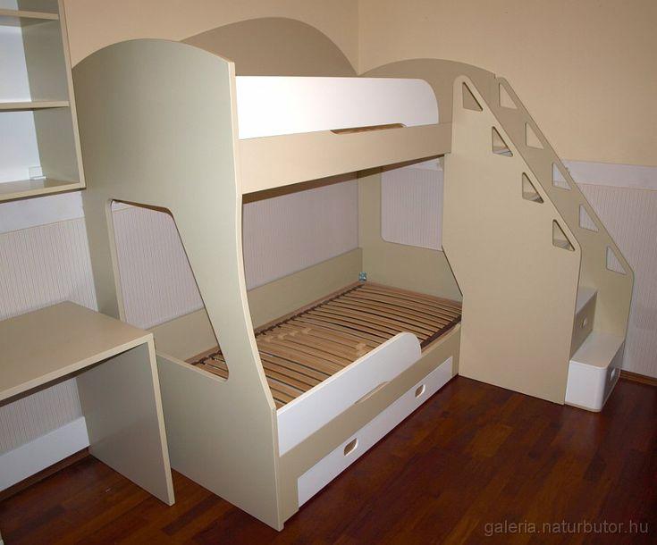 Emeletes ágy - fiókos lépcsővel, leesésgátlóval, kihúzhatós ágyneműtartóval (gysz1501097)