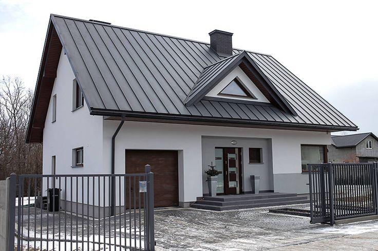 기교 없는 클래식한 외부 디자인과 모던한 인테리어의 조화를 감상할 수 있는 주택을 소개한다.