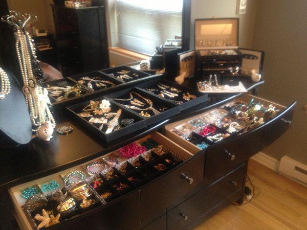 Cream, Gold & Black with a Pinch of Gatsby Glam - DIY Jewellery Display www.castellammarejewellery.com
