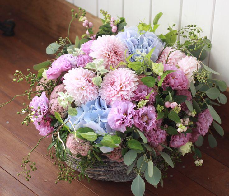 フラワーアレンジメント/ダリア/あじさい/花どうらく/花屋/http://www.hanadouraku.com/flower arrengement/