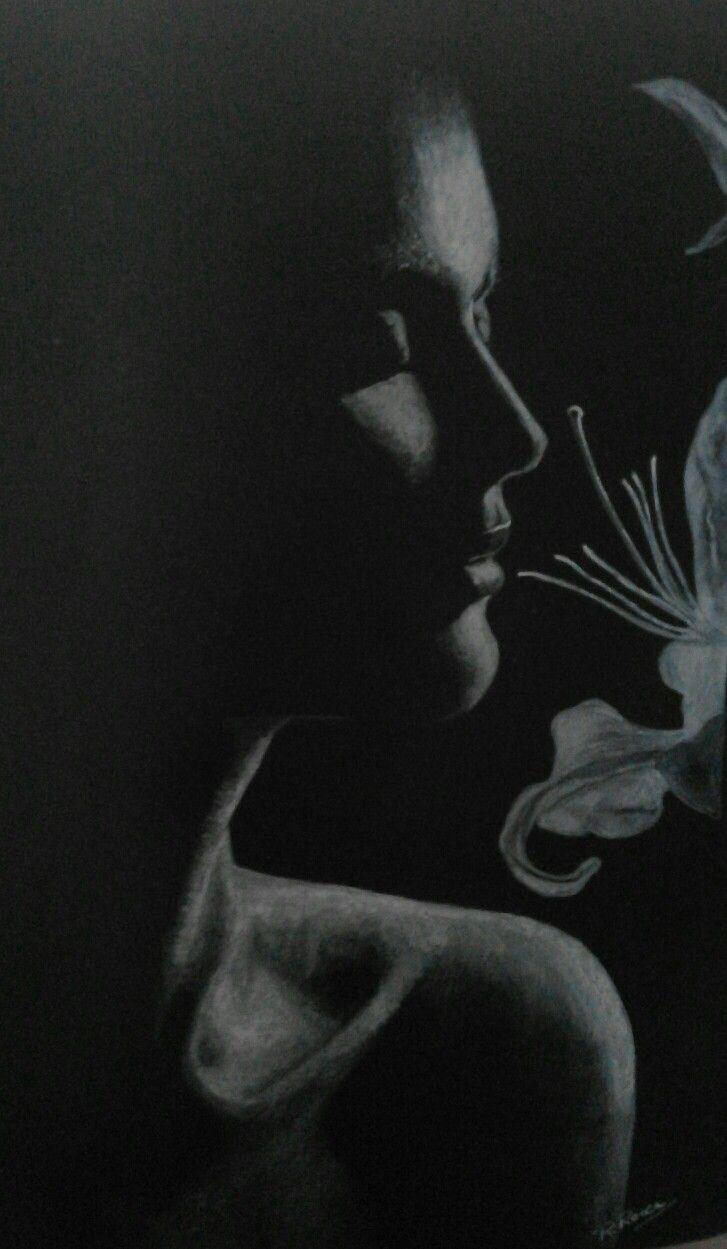 Il profumo dei fiori...matita bianca su cartoncino nero