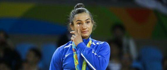 Majlinda Kelmendi médaille d'or judoka pour le Kosovo ... http://www.huffingtonpost.fr/2016/08/08/majlinda-kelmendi-medaille-or-kosovo-jo-rio-2016_n_11379604.html?ncid=fcbklnkfrhpmg00000001
